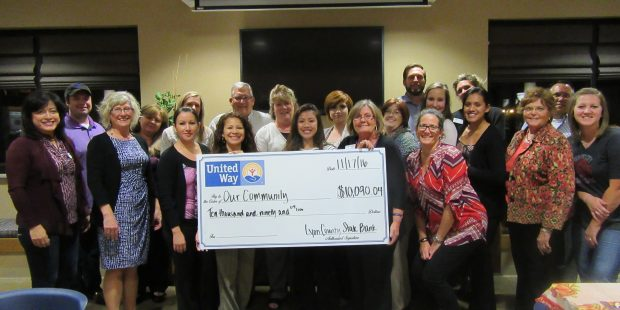 Lyon County State Bank Donates To The United Way